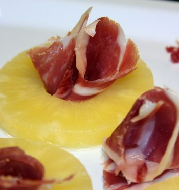 Jamon con Piña | Pineapple with Ham | Recipe with Serrano | Receta de Jamon
